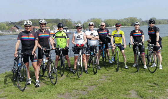 Axalta employees from Belgium cycled 1000km to rise awareness for cancer charity Kom Op Tegen Kanker